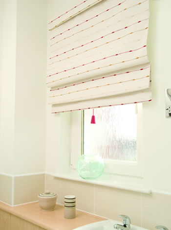 Roman blinds walsall cannock wolverhampton birmingham stafford for What type of blinds for bathroom